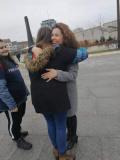 Ученици подаряват топли прегръдки по повод Международния ден на прегръдката