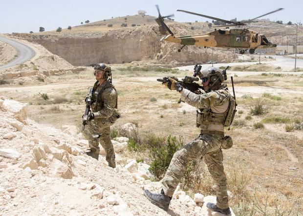 Иранският парламент днес прие спешно закон, класифициращ всички американски военни