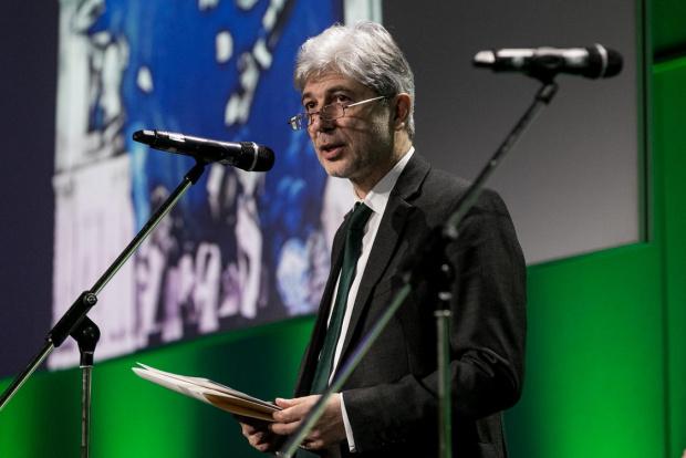 Министърът на околната среда и водите Нено Димов подава оставка