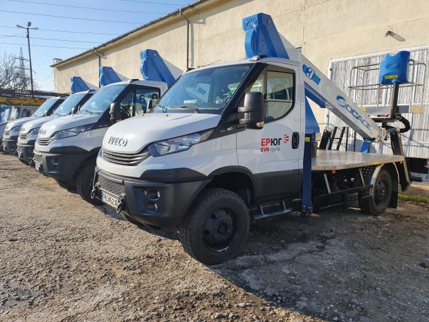 Нови УТВ машини и вишки подсилват Електроразпределение Юг в Родопите