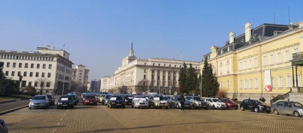 Отменят наредбата, изкарала автоинструкторите на протест