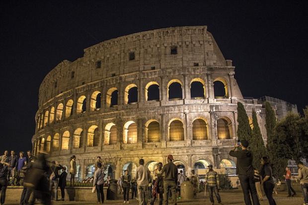 Евакуация в близост до Колизеума в Рим