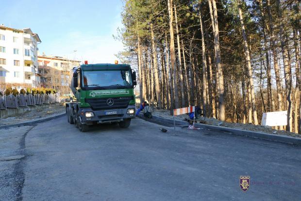 И през зимата във Велико Търново продължава изграждането на нови