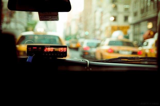 Таксиметровите превозвачи искат трикратно увеличение на първоначалната такса за извършваната