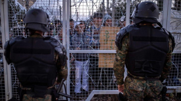 Гърците отново затягат контрола по границите срещу мигранти