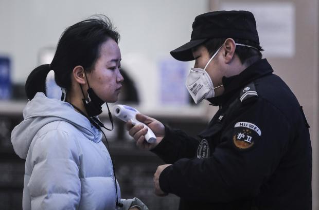 Китай за САЩ: Всяват паника за коронавируса, а не помагат