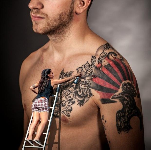 Обсъжда се забрана на цветните татуировки