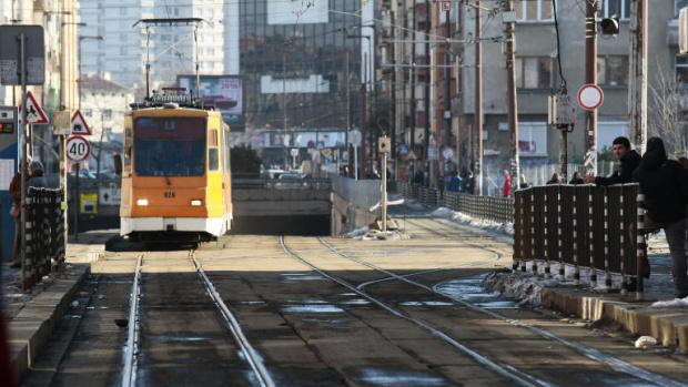 Пешеходец е пострадал при катастрофа с трамвайна мотриса в София,