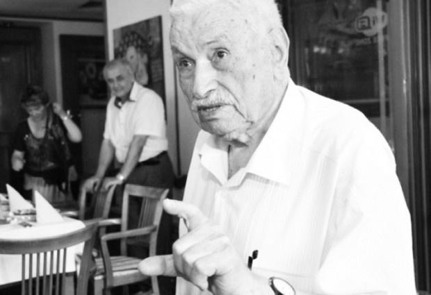105-годишният Александър Николов е сред доайените на пчеларството у нас.