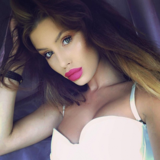 Мис България Радинела Чушева: Успелите жени ми се възхищават, другите плюят