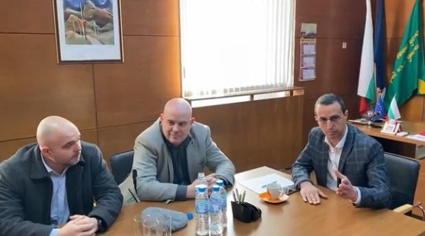 Гешев се срещна с кметовете на Чирпан и Зетьово (ВИДЕО)