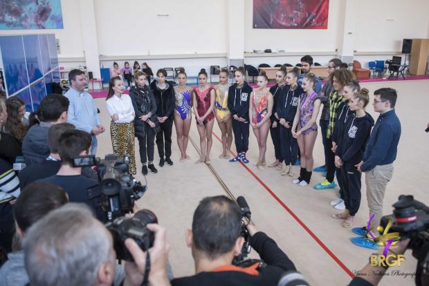 Олимпийските отбори по природни науки са Талисман на Световната купа по художествена гимнастика