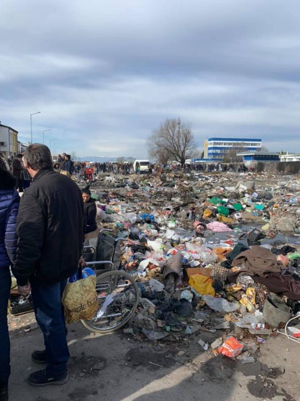 Пловдив или Бомбай? Огромно сметище изникна край КАТ под тепетата (СНИМКИ)