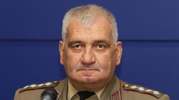 На 60-годишна възраст почина началникът на отбраната на България -