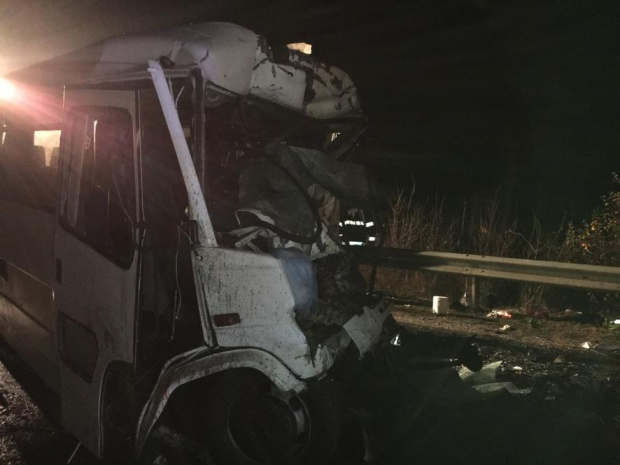 Турски автобус прегази и уби на пътя Бургас-Созопол двама души.