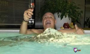 Стоичков изолиран с жена си и свекърва си: Ям чесън, пия топла вода, къпя се с гореща