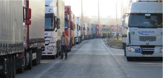Посолството ни в Белград ще окаже съдействие на десетки блокирани