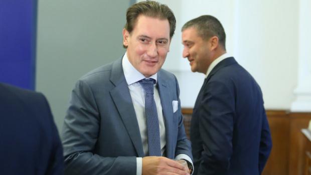 Домусчиев каза как се е излекувал и отсече: Кабинетът трябва да включи медиите в мерките