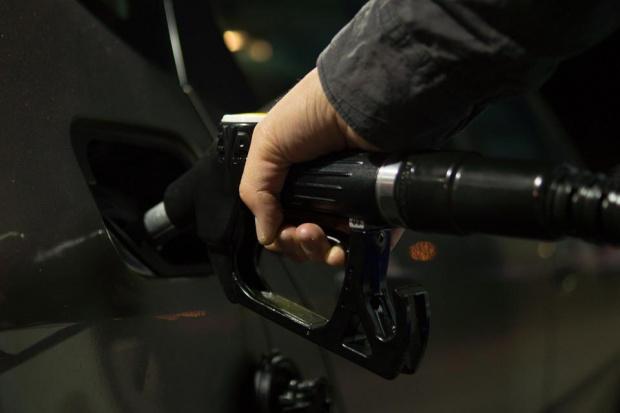 Средната борсова цена на суровия петрол тип Брент на международните