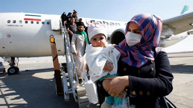Всички пристигащи със самолет от високорискови държави с коронавирус да