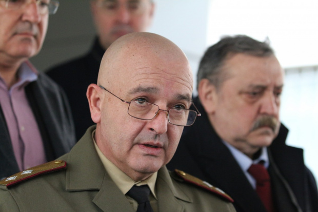 Главните лекари на армиите са генерали и носят униформата си