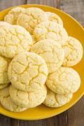 Какво да сготвим: Лимонови сладки с домашен шоколад