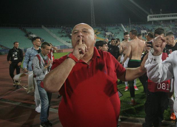 Футболното първенство в България се подновява този уикенд, напук на вируса