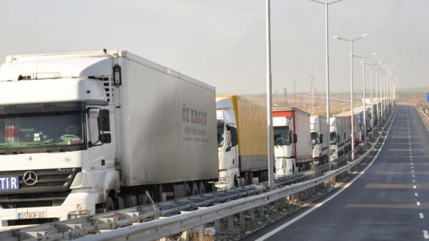 Турските власти са издали разпореждане, с което освобождават българските шофьори