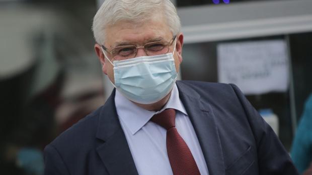 Министърът на здравеопазването Кирил Ананиев издаде заповед, с която разрешава
