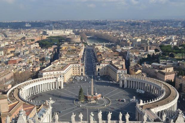Отлага се посещението на президента Румен Радев във Ватикана по