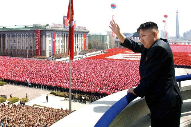 Вестник в КНДР: Ким Чен Ун не спи, не празнува рождени дни, не си взима почивка! Направи страната световна военна сила