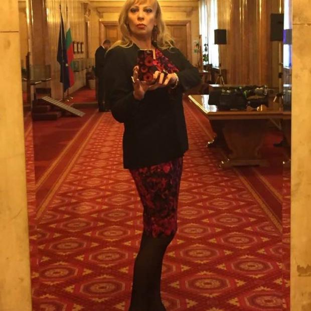 """Депутатката Нона Йотова скочи на """"Капките""""! Пита Ананиев: Защо шоуто нарушава противоепидемичните мерки?"""
