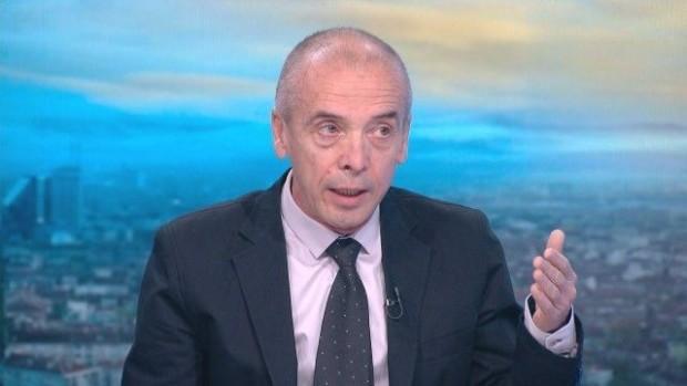 Доц. Мангъров нападна Мутафчийски: Всява страх, Кантарджиев говори глупости