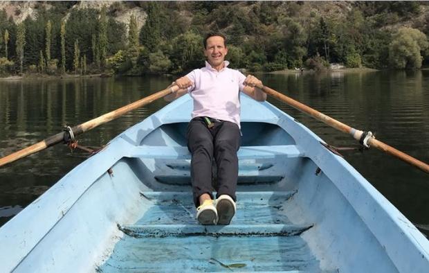 Банкер и синът му ще прекосят с лодка сами Атлантическия океан в опит за световен рекорд