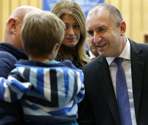 Президентът Радев: България е възкръснала благодарение на просветата и културата и пак те ще ни изведат към хоризонта на свободата и развитието