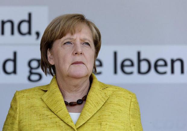 Германският канцлер Ангела Меркел обяви, че мерките за социална дистанция