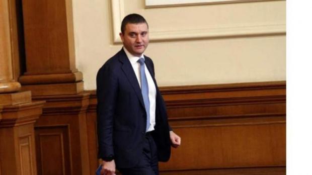 Финансовият министър Владислав Горановучаства в петъчния парламентарен контрол в Народното