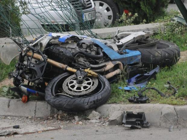 Моторист загина тази сутрин в катастрофа в София. Сигналът в