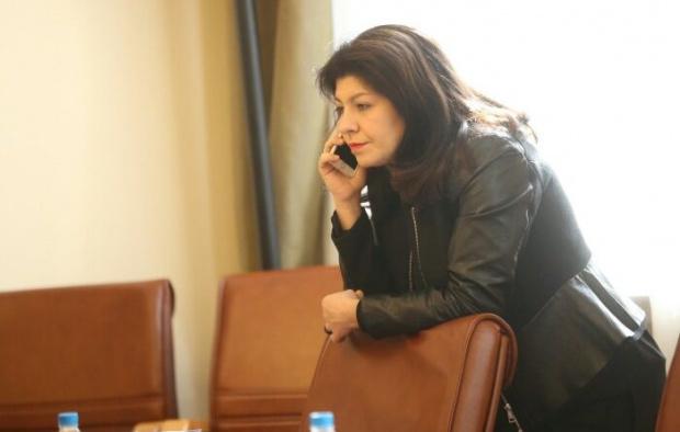 Пиарката на Бойко Борисов Севделина Арнаудова отвърна на обвиненията на