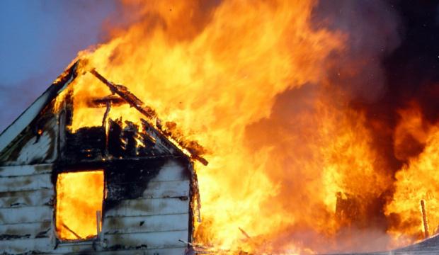 Две деца са загинали в пожар във вила в местността