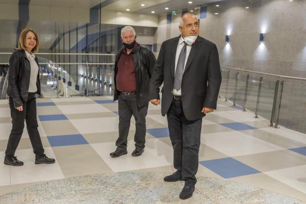Премиерът Бойко Борисов и столичният кмет Йорданка Фандъкова инспектираха третата