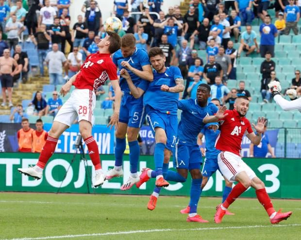 ЦСКА и Левски спретнаха голова фиеста с 6 гола във Вечното дерби