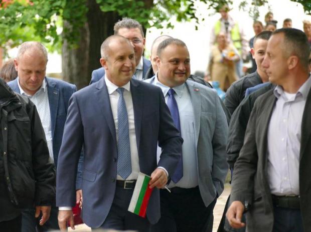 Президентът: Прокуратурата не може да осигури независима експертиза на записите с Борисов
