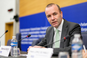 Вебер: ЕС веднага да прекрати преговорите с Турция