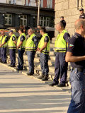 Проверката приключи: Наказват полицаите, превишили правомощията си зад колоните на МС