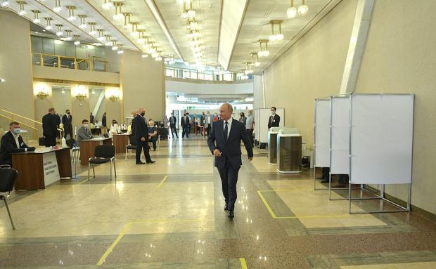 В полза на промените в Конституцията на Русия са гласували