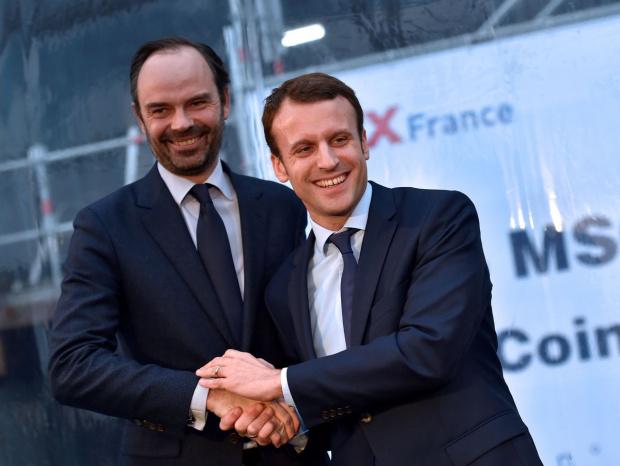 Френският премиер Едуар Филип и цялото правителство подадоха оставка. Тя