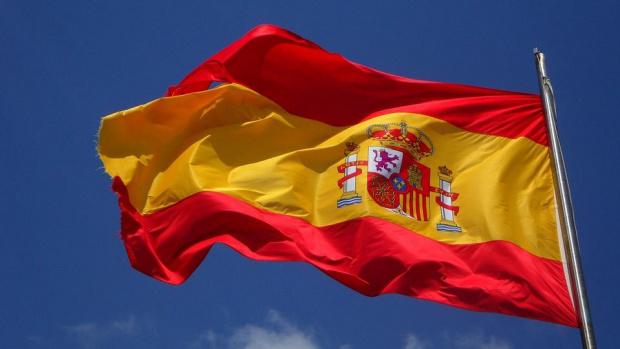 Испания отваря от днес границите си за 12 страни извън