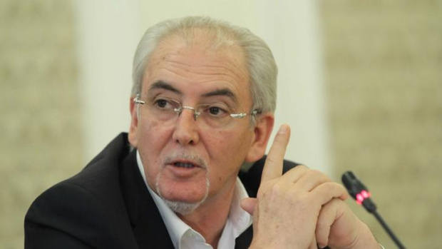 """Позицията на Лютви Местан за """"Властелинът на порциите или за цената на Догановия етнически мир   """""""