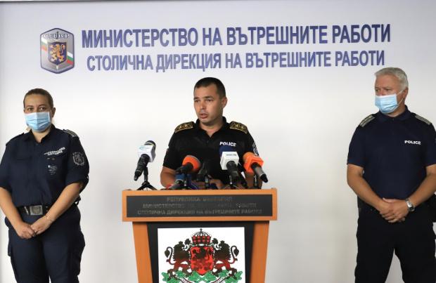 Полицията: Помагаме на протестиращите, а те сами ни сочат кои провокатори да отстраняваме